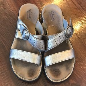 Clarks metallic strappy sandals size 8